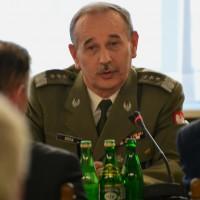 Un Quinqua prend la tête de l'armée polonaise