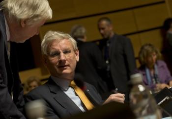 Carl Bildt au Conseil des Affaires étrangères (Crédit : Conseil de l'UE)