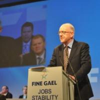 Nouveaux ministres des Affaires étrangères et de la Défense en Irlande