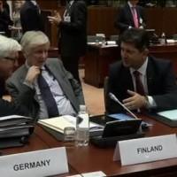 Le ministre finlandais avec son homologue allemand à la réunion du 23 juillet (Crédit : Conseil de l'UE)
