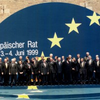 Le sommet européen de Cologne 1999 définit une ambition politique pour la PESD