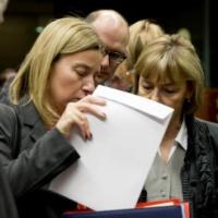 La voie des sanctions est rouverte. Les options. Mogherini temporise. Tusk accélère
