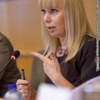 La commissaire Bienkowska résolue à faire appliquer la directive «marchés publics»