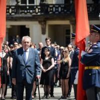 Le président tchèque pour une armée européenne, critique l'action de Frontex
