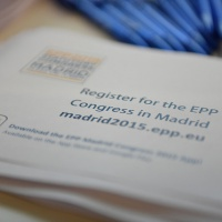 Les membres du PPE se prononcent pour une armée européenne… à terme