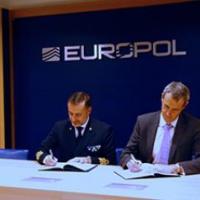 Un accord de coopération entre Eunavfor Med – Europol destiné à faire des petits ?