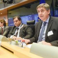 Face au terrorisme, Jambon et Geens défendent la réponse belge. Des pistes d'action plus robustes