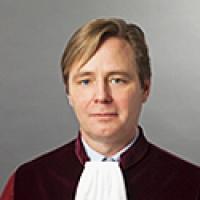 Le contrôle des actes de la politique extérieure, limité selon l'avocat général de la Cour
