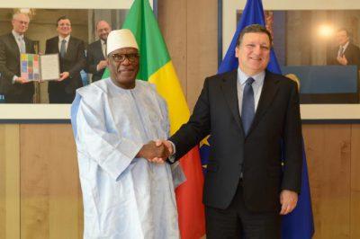 Ibrahim Boubacar Keïta, Président du Mali, avec José Manuel Barroso, President de la Commission européenne le 4 avril 2014 (Crédit : CE)