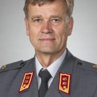 Un Finlandais succède à un Autrichien à la tête de l'Etat-major