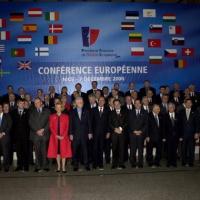 Le sommet de Nice et un nouveau Traité : mettent de nouvelles structures politico-militaires