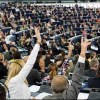 Les neuf propositions du Parlement européen pour contrer la propagande russe et de Daesh