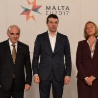 La violence démocratique en Macédoine inquiète les Européens et l'OTAN