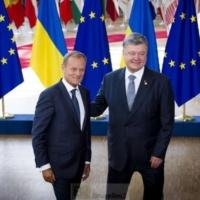 La situation en Ukraine est inquiétante dit Merkel. Pari tenu pour l'accord d'association répond Tusk