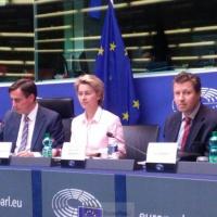 «Nous devons mettre les cartes sur table, penser et agir en Européens» (Ursula von der Leyen)