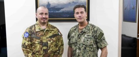 Un Italien prend le commandement en mer de l'opération anti-piraterie de l'UE