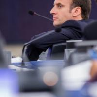 Entre l'Europe du repli et l'Europe de l'habitude, Emmanuel Macron prône une Europe de l'ambition (V2)