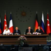 Sommet inédit à Istanbul pour débloquer la crise syrienne