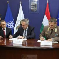 La Hongrie fait ses emplettes chez Airbus et KMW