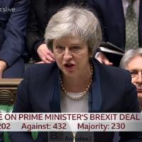La Chambre des Communes vote Non. Le risque d'un retrait désordonné augmente, avertit Juncker
