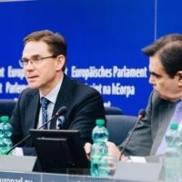 Défense : les États, les industries doivent coopérer. Question de coût et d'autonomie (Jyrki Katainen)