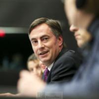 Les parlementaires européens poussent à l'autonomie stratégique de l'UE