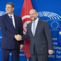 Les défis sécuritaires et d'immigration de la jeune démocratie tunisienne (Essid)