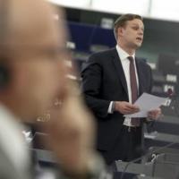 La Russie accusée de nuire à la paix n'est plus un partenaire (Parlement européen)