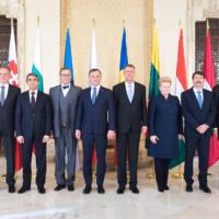 8 chefs d'Etats demandent à l'OTAN de renforcer sa présence à l'Est. La déclaration de Bucarest