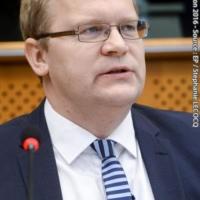 La stratégie globale ne suffit pas, il faut un livre blanc sur la défense européenne (Urmas Paet)