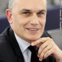 Arrêtons de tout confondre, police, renseignement et justice (Arnaud Danjean)