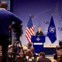 Les États-Unis plombent l'autonomie stratégique de l'Europe avec un slogan : pas sans nous !