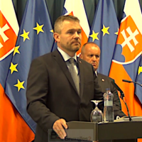 Bratislava préfère s'équiper américain qu'européen. La Slovaquie volera en F-16
