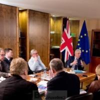 Theresa May demande le report du Brexit au 30 juin, les Européens ne disent pas non, mais pas oui (V2)