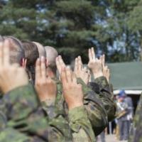 Les Finlandais fiers de leur service militaire. La confiance dans l'UE chute. L'adhésion à l'OTAN reste discutée