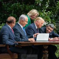 Comment les accords d'Abraham changent la donne sécuritaire au Moyen-Orient (Lahav Harkov)
